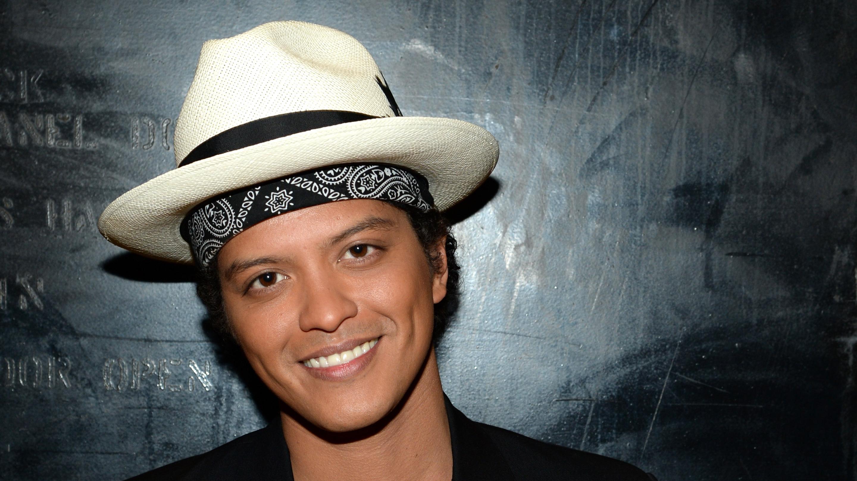 Bruno-mars-artist-trace-singer