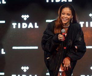 Rihanna kidnaps 80 fans!