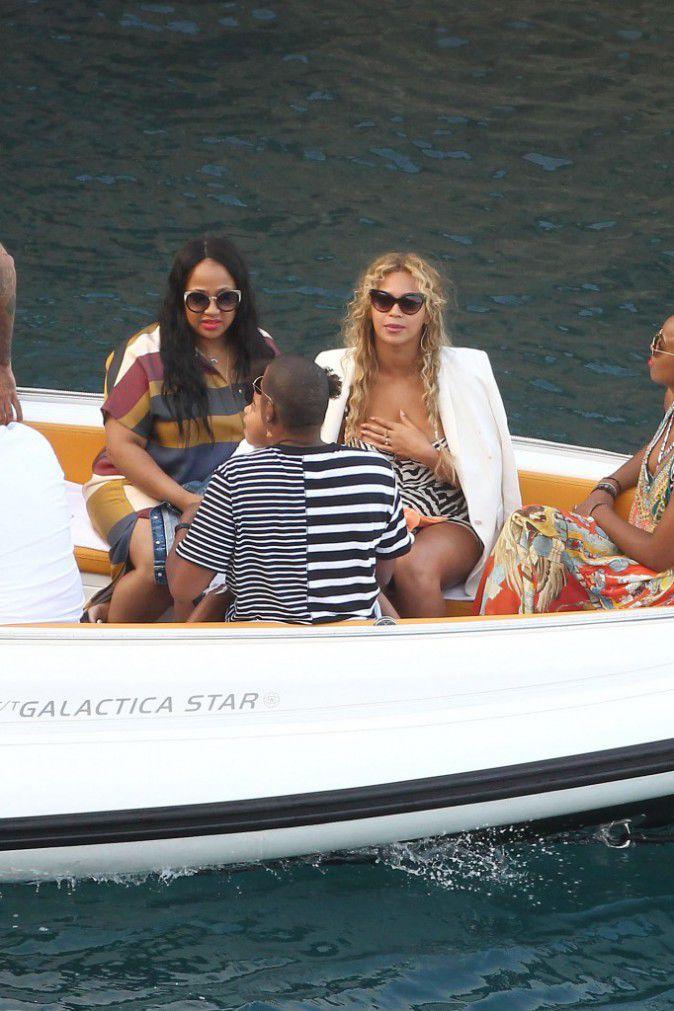 Beyonce-Jay-Z-et-Blue-Ivy-le-10-septembre-2015_portrait_w674 (1)