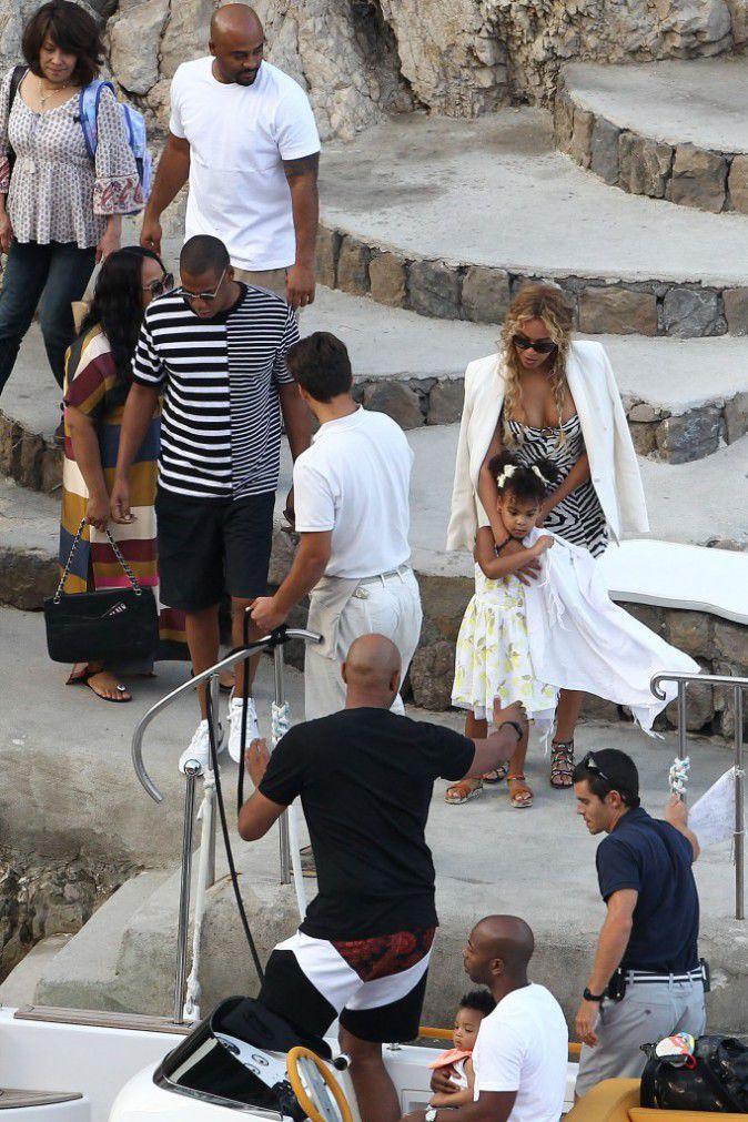 Beyonce-Jay-Z-et-Blue-Ivy-le-10-septembre-2015_portrait_w674 (3)