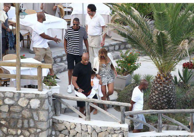 Beyonce-Jay-Z-et-Blue-Ivy-le-10-septembre-2015_portrait_w674 (5)