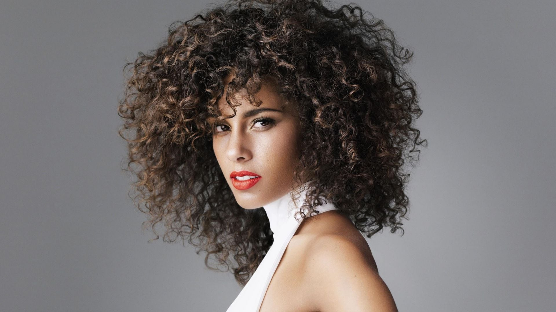 10 things you probably didn t know about alicia keys trace