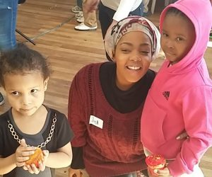 Shekhinah was her charming self, treating the kids to some of their favourite songs.