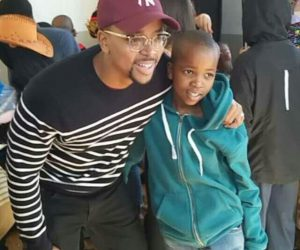 Maps Maponyane took a number of videos of the children dabbing and showed them some moves of his own.