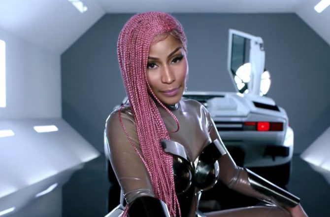 nicki-minaj-motorsport-video-2017