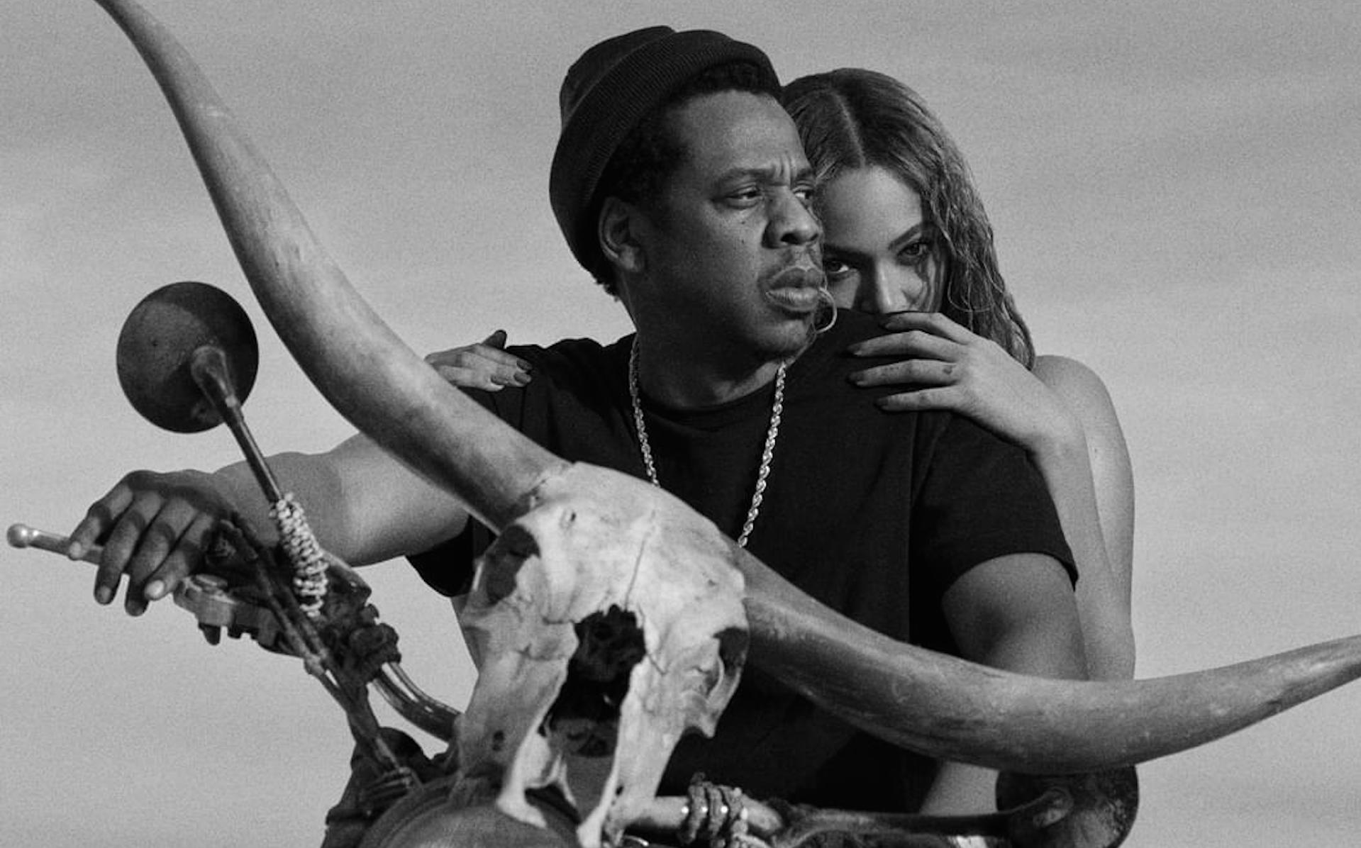 Beyoncé and jay zs on the run tour ii poster is inspired by a classic senegalese movie