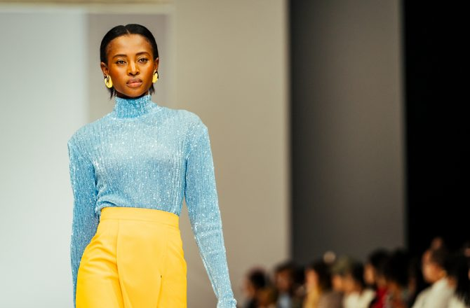 The SS18 collection from MMUSOMAXWELL marries contemporary culture with African heritage. This is achieved through the use of interesting cuts and shapes paired with fabrications like cotton poplin, crepes and melton.